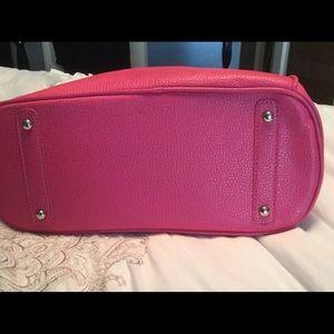 Bags - NWOT ✨Pink Lock and Key Handbag✨